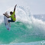 Mick Fanning - Surfing shot VKTC