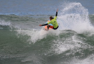 Max Tobin fins free in Open Final